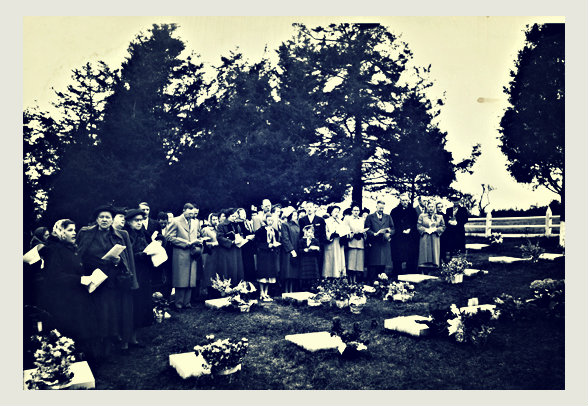 Vintage-Easter-in-Cemetery
